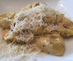 Tortellini mit Schinken-Käse-Sauce