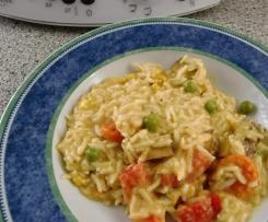 Reis-Tofu-Gemüse an tomatiger Sauce