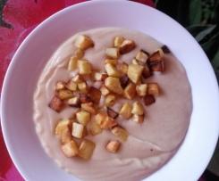Selleriecremesuppe mit Koriander und Kartoffelwürfeln ~ milchfrei ! ~