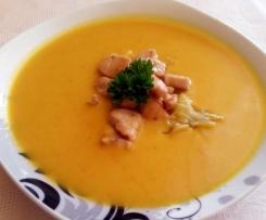 Kürbissuppe mit Kokosmilch, Hähnchenbrust und Kartoffelsticks