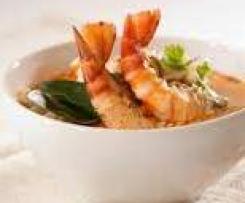 Kartoffel- Sellerie- Suppe mit Garnelen