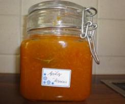 Aprikosenmarmelade mit Rosmarin