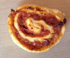 Variation von Pizzaschnecken