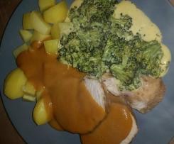Variation von all-in-one.... - Putenbraten mit Kartoffeln und Broccoli mit Sauce Hollandaise
