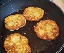 Zucchiniküchlein * Zucchiniküchle * Zucchini Puffer * Zucchini Bratlinge