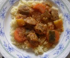 Lammfleisch mit Gemüse und Couscous (m. Orig.)