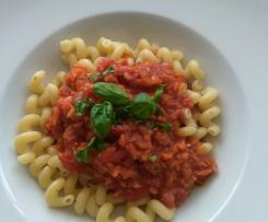 Geli's Nudeln mit Tomatensauce