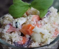Couscous-Gemüse an Schmanddressing