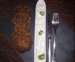 Möhrenpuffer mit Joghurtdip