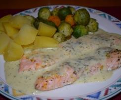 Lachsfilet mit Rosenkohl-Gemüse und Senf-Dill-Sauce