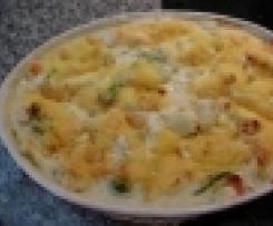 Variation Gemüse-Kartoffelauflauf in einer Frischkäsesoße, mit Käse überbacken