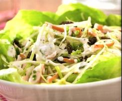 Krautsalat mit geräuchertem Hähnchenbrustfilet