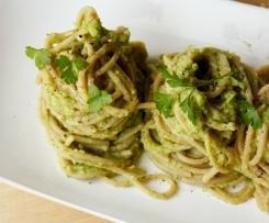 Avocado-Basilikum-Pesto