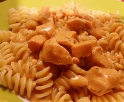 Lachs-Sahne-Sosse m. Tomatennuance