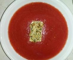 Wassermelonen-Tomaten-Gazpacho mit glasiertem Feta