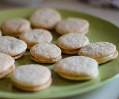 Macarons mit Marzipanfüllung