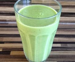 grüner Smoothie mit Feldsalat