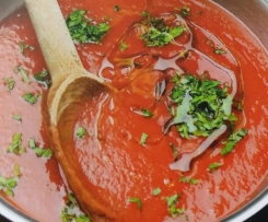Schnelle einfache Tomatensoße